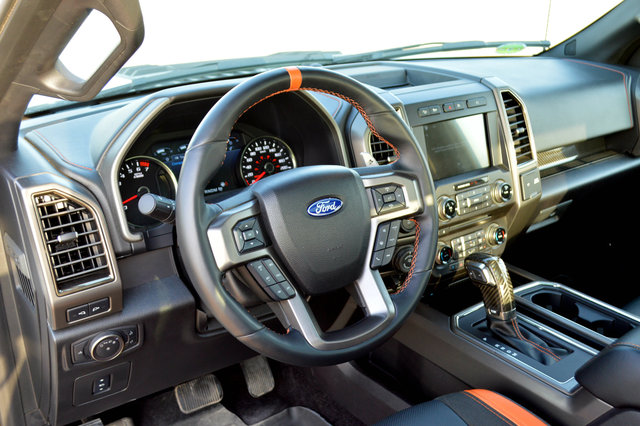Ford F 150 Raptor 2017 Interior