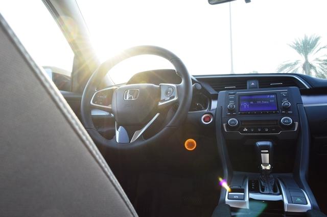 Honda Civic 2017 cabin layout