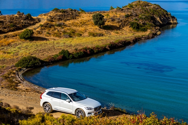 Volvo XC60 2018 top