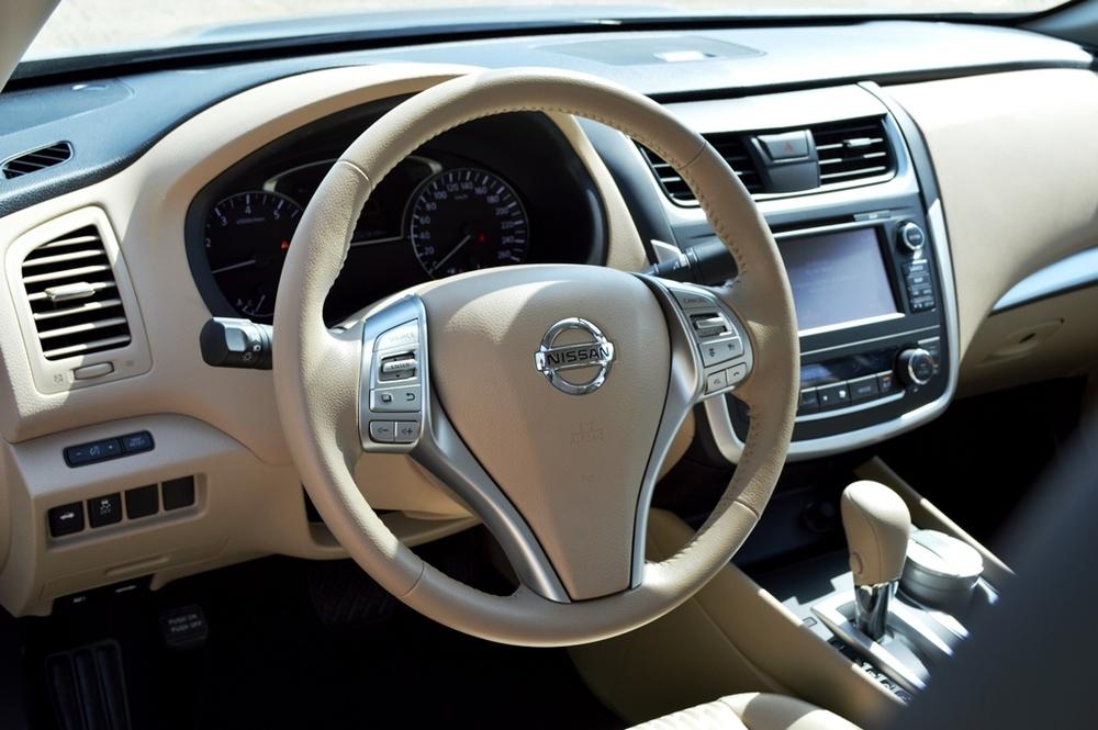 Nissan Altima 2017 UAE Interior