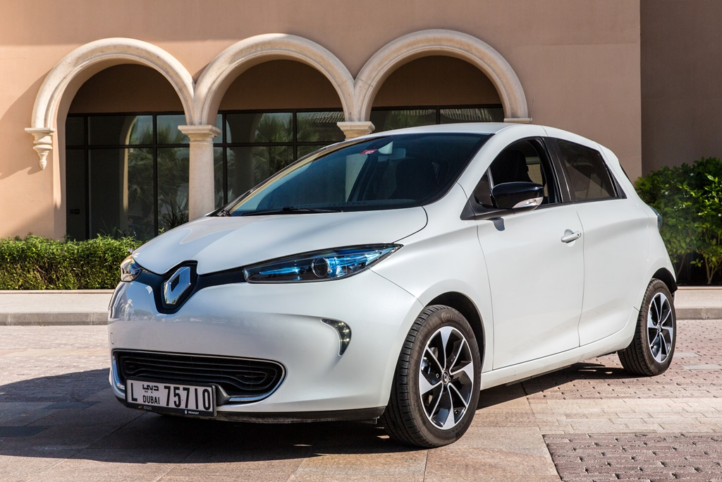 2018 renault zoe long range launched in the uae qatar yallamotor. Black Bedroom Furniture Sets. Home Design Ideas