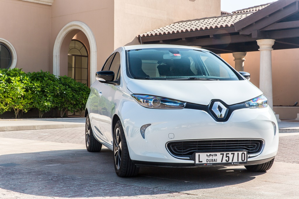 2018 renault zoe long range launched in the uae bahrain yallamotor. Black Bedroom Furniture Sets. Home Design Ideas