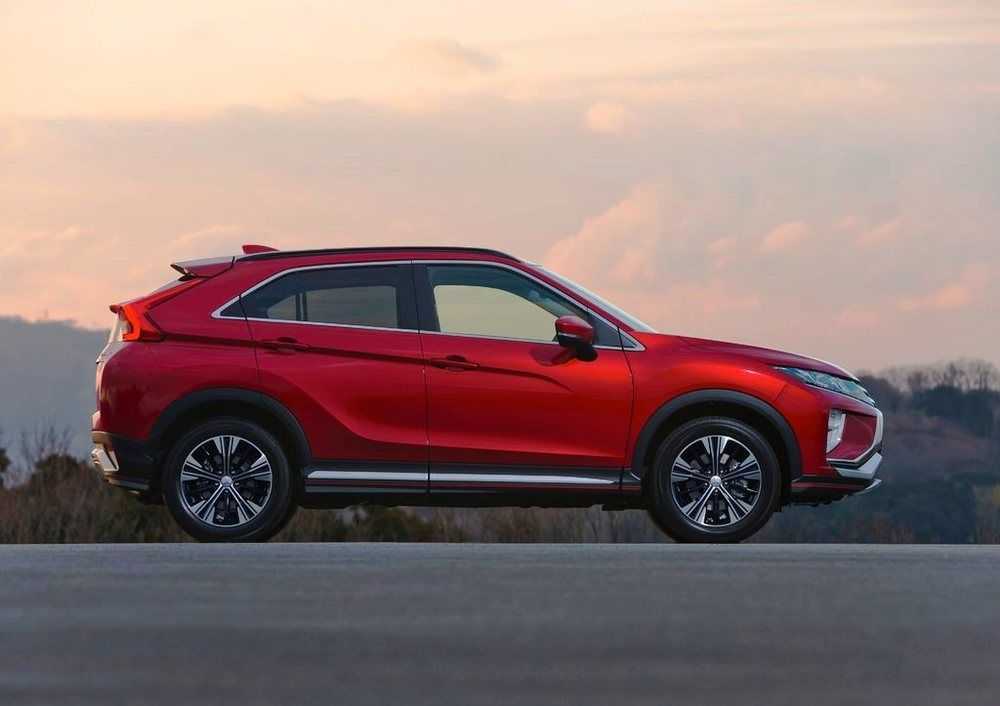 Mitsubishi Eclipse Cross 2018 side view