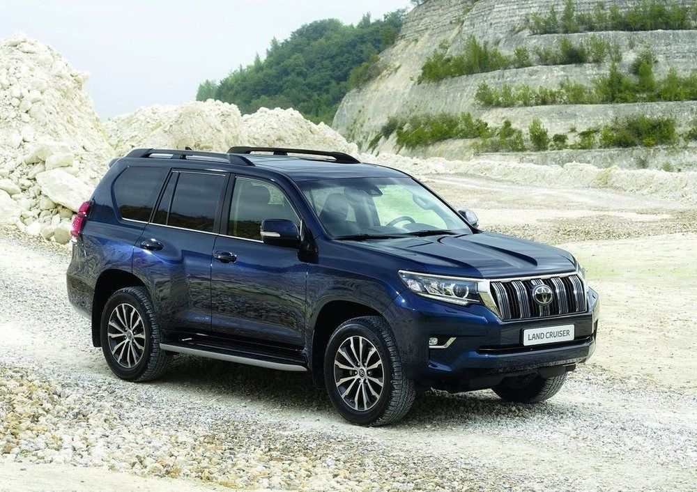 Toyota Land Cruiser Prado 2018 front side