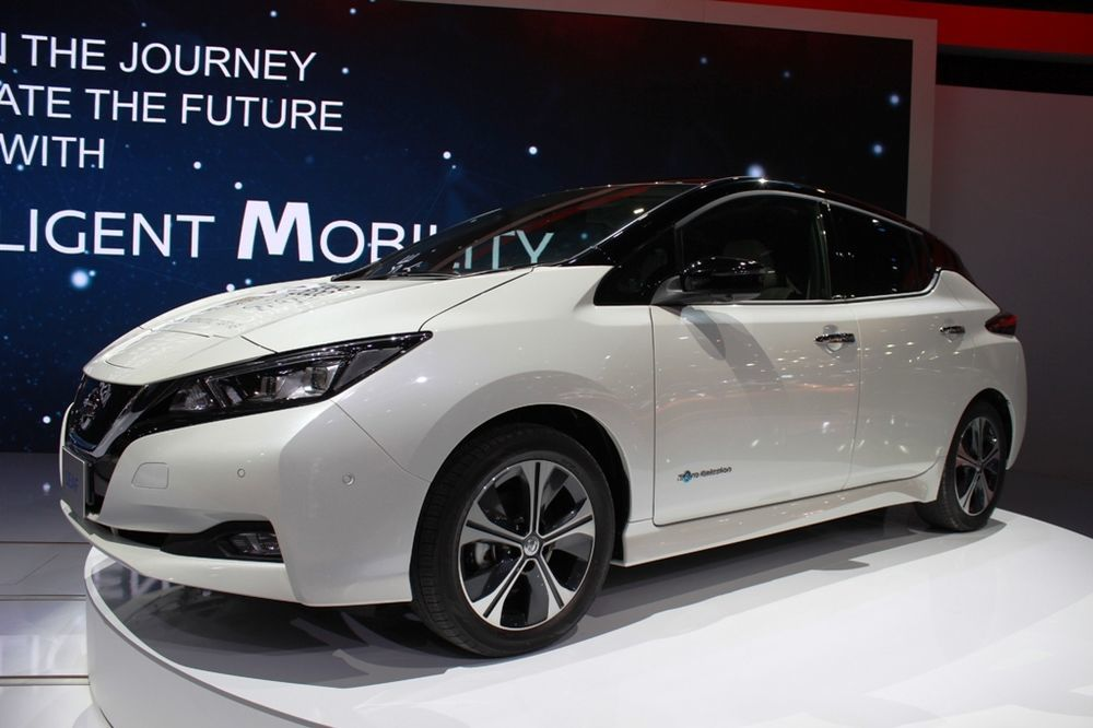 Nissan Leaf 2018 front left