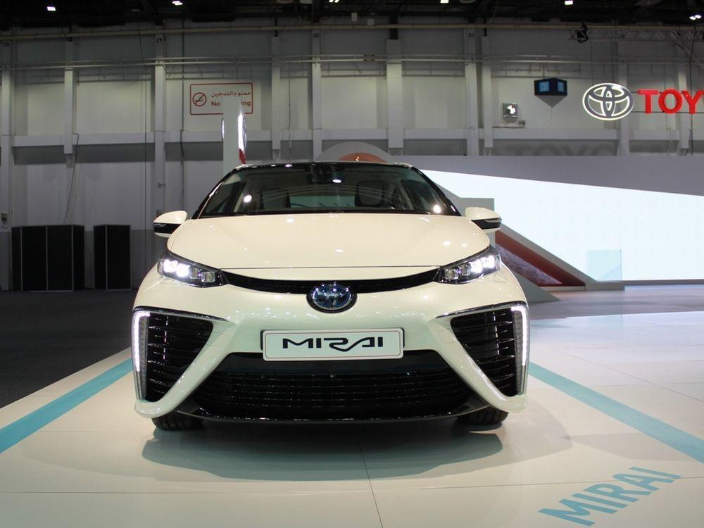Toyota Mirai 2018 front