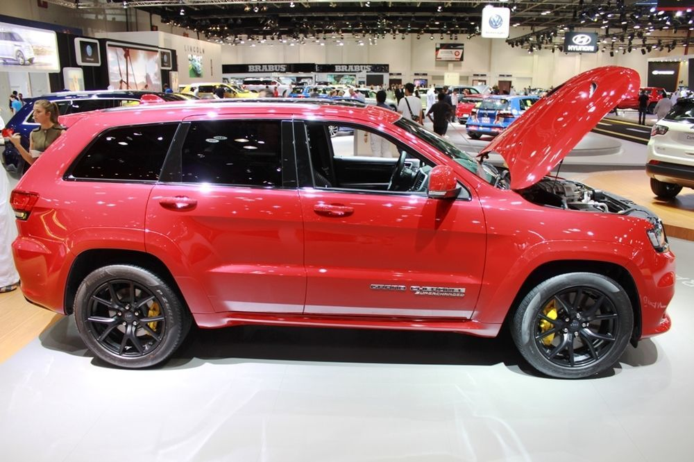 Jeep Grand Cherokee Trackhawk 2018 side view