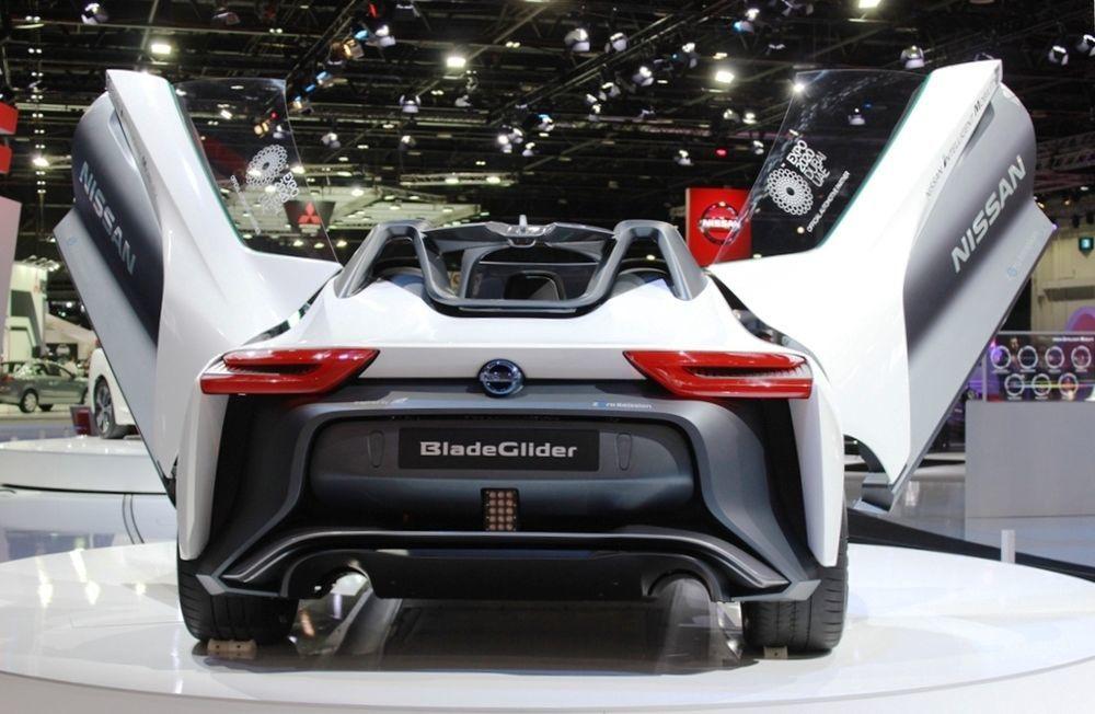 Nissan Bladeglider rear