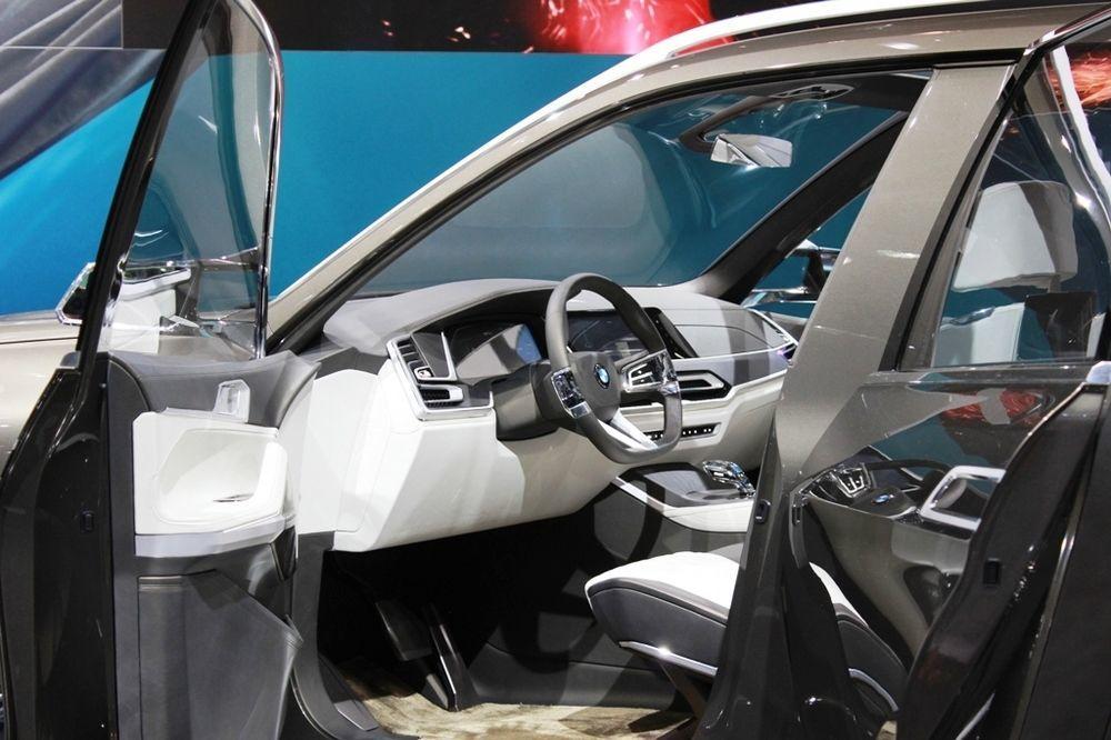 BMW X7 Concept cabin