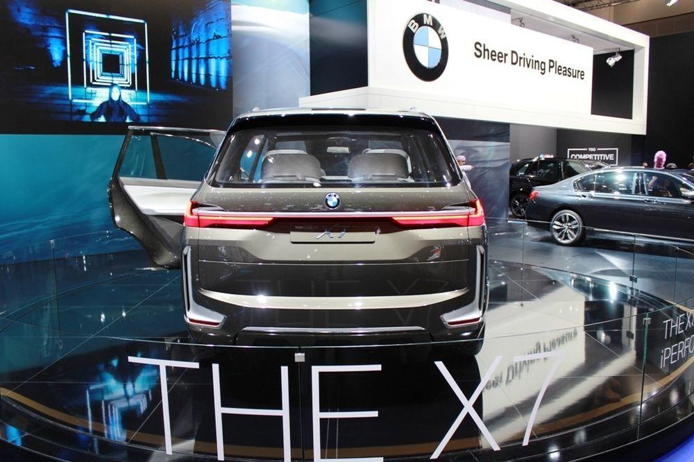 BMW X7 Concept rear