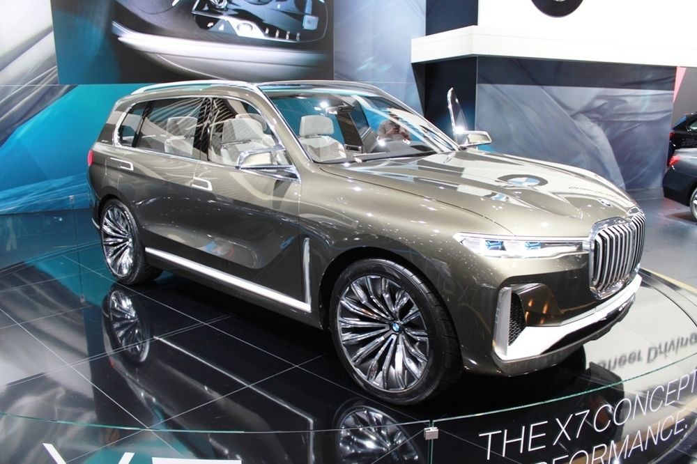 BMW X7 Concept right front