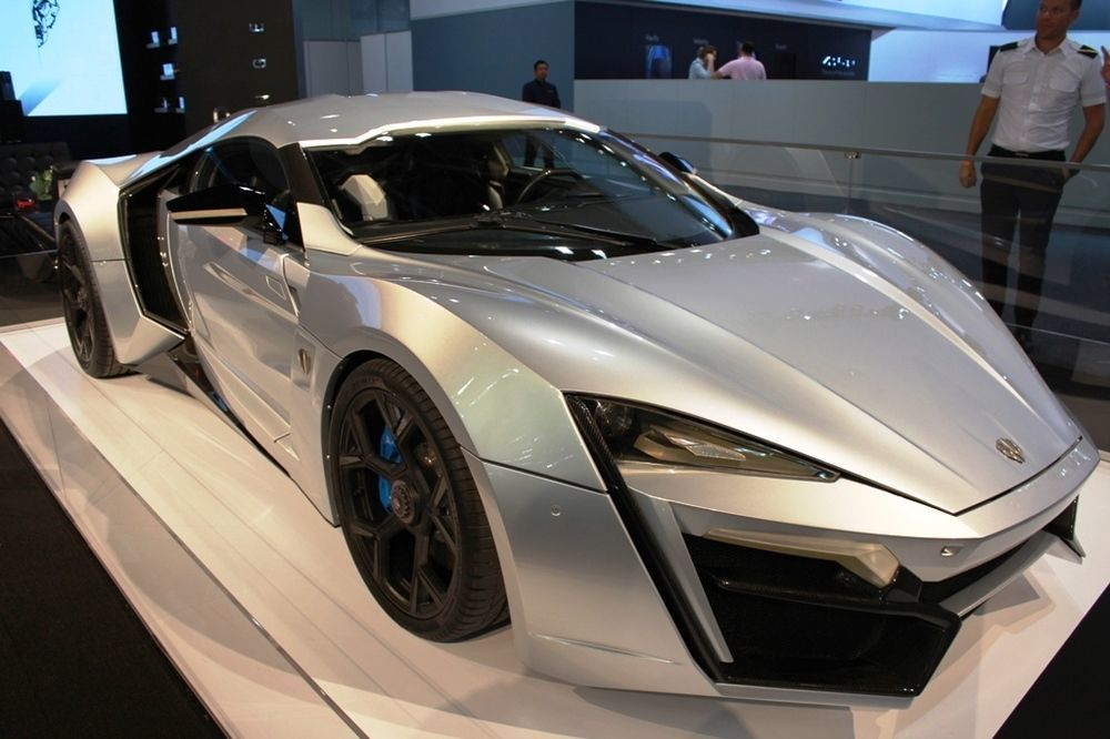 Lykan Hypersport 2017 Side