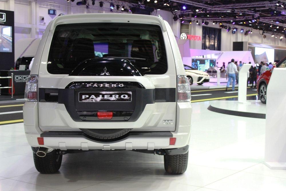 Mitsubishi Pajero 2018 rear