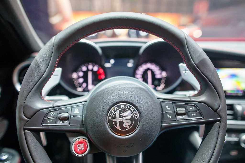 2018 Alfa Romeo Giulia Quadrifoglio Impresses At Dubai Motor Show Uae Yallamotor