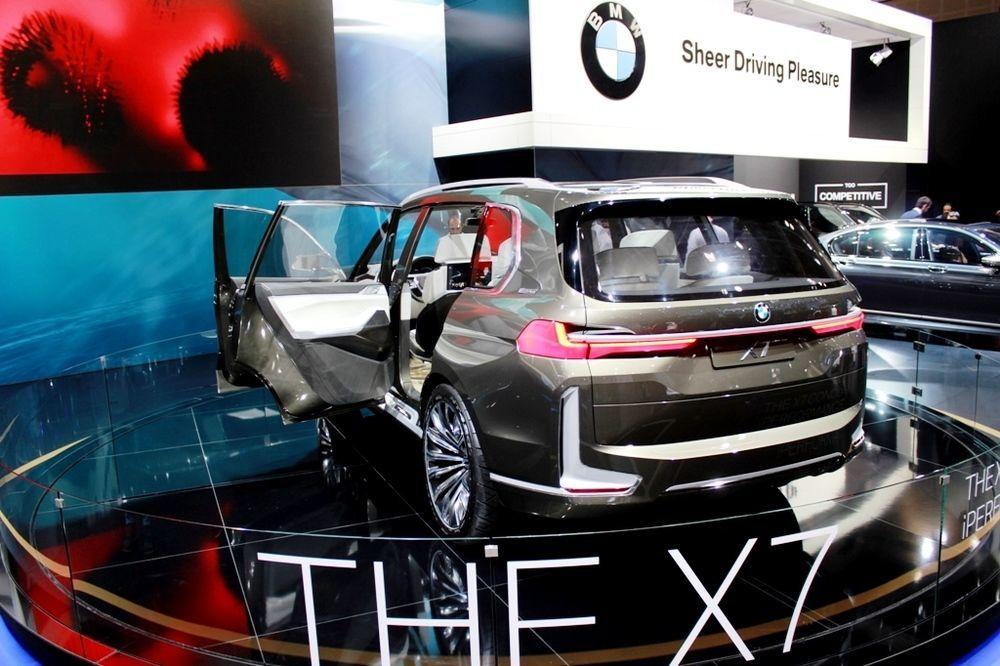 BMW X7 Concept 2018 rear left
