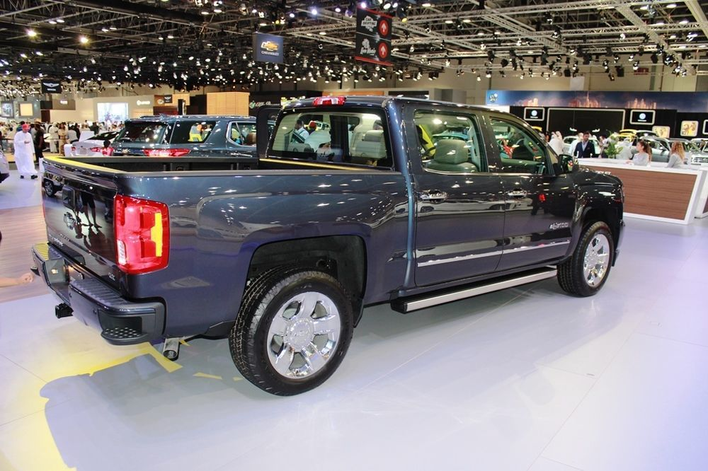 Chevrolet Silverado Centennial Edition 2018 rear right