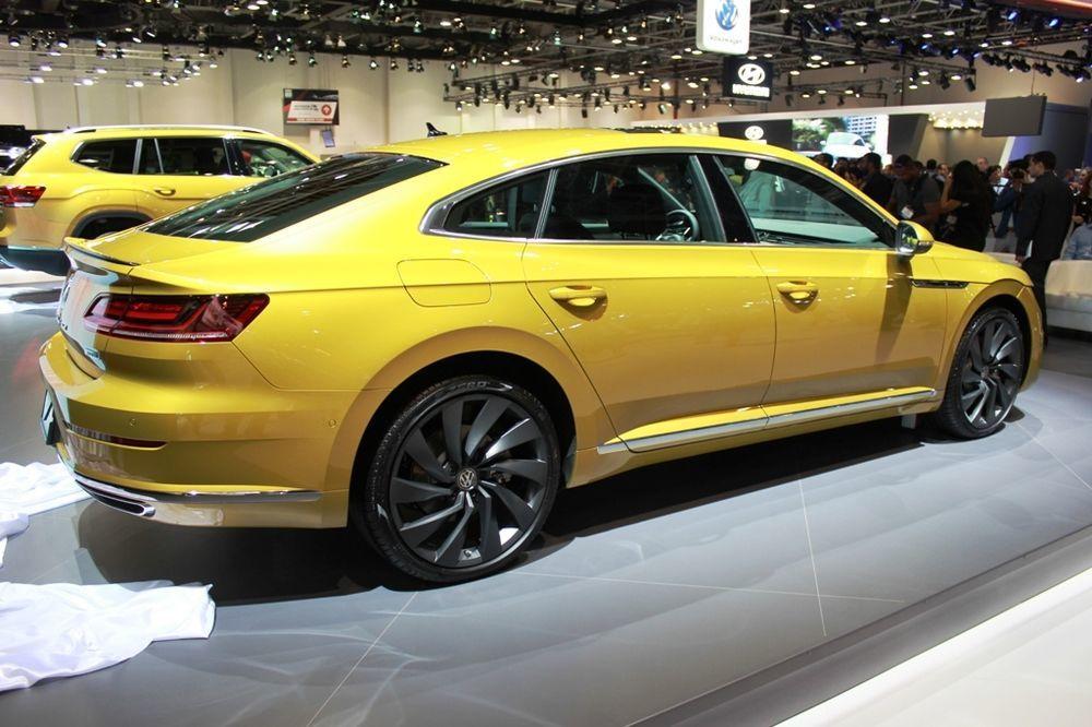 Volkswagen Arteon 2017 Side