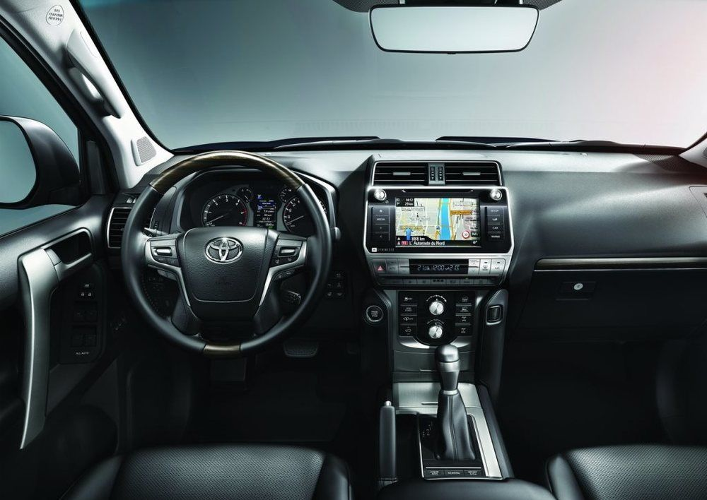 Toyota Land Cruiser Prado 2018 Interior