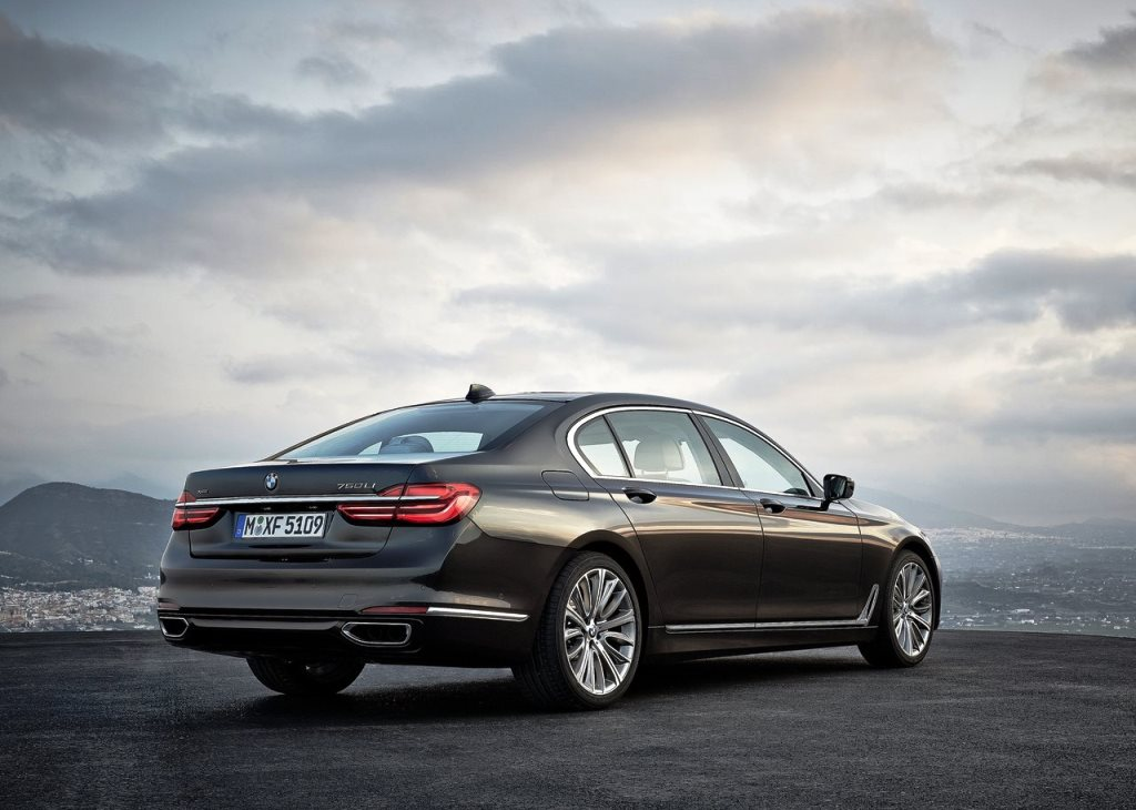 An Overview Of The 2018 Bmw 7 Series Egypt Yallamotor
