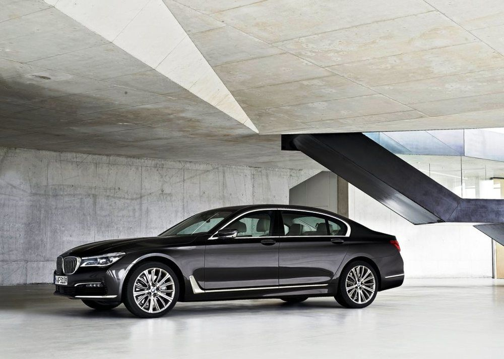 BMW 7 Series 2018 Side