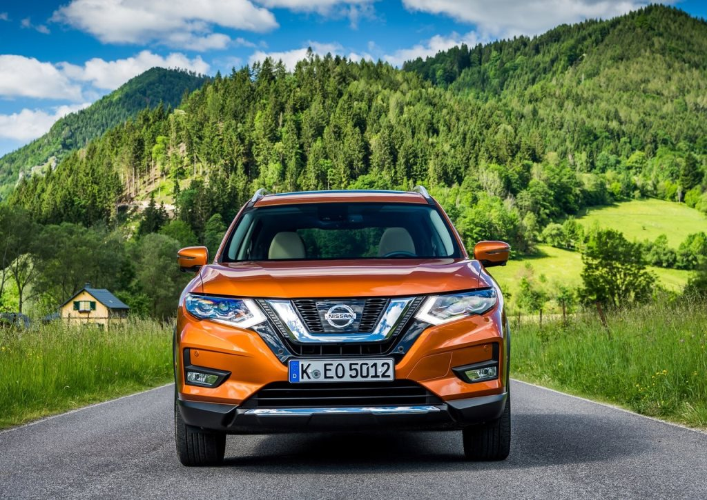 a rundown of the 2018 nissan x trail uae yallamotor. Black Bedroom Furniture Sets. Home Design Ideas