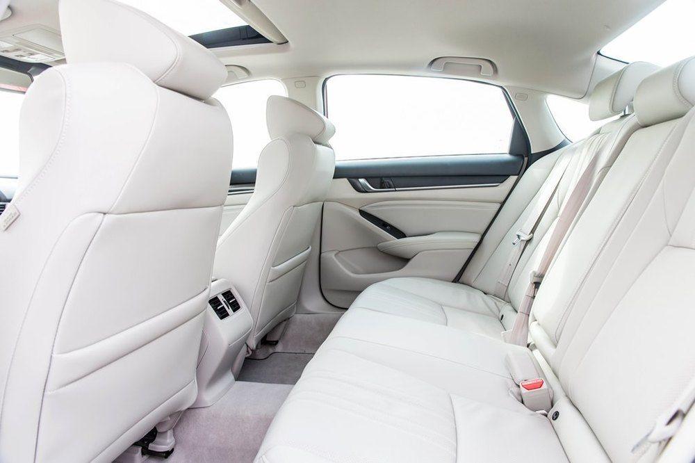 Honda Accord 2018 Interior - 2