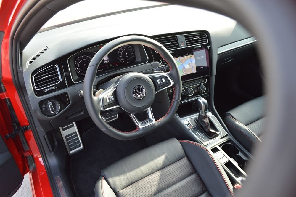 Volkswagen Golf GTI 2018 Interior