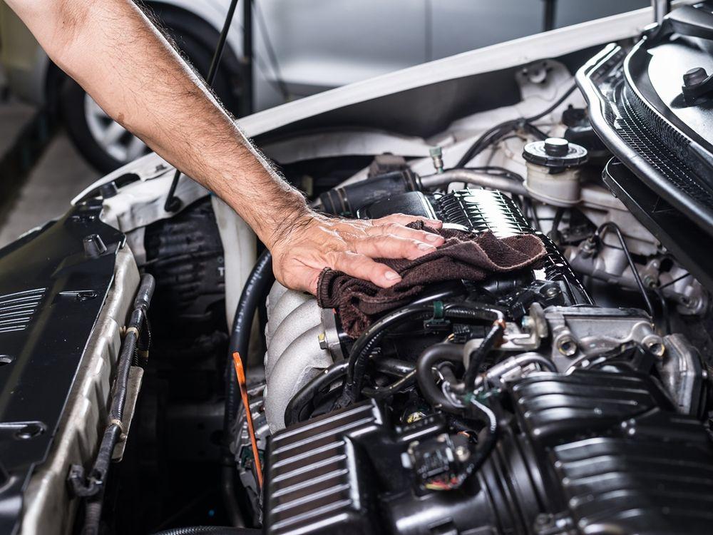 properly clean  engine bay   car uae yallamotor