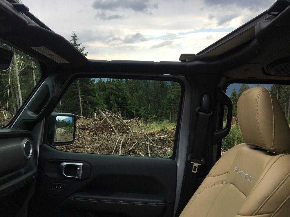 Jeep Wrangler 2019 remove roof