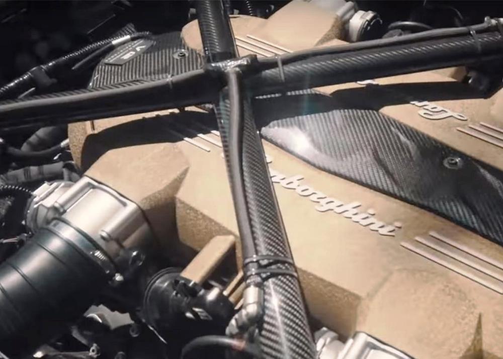 Lamborghini Aventador SVJ V12 engine