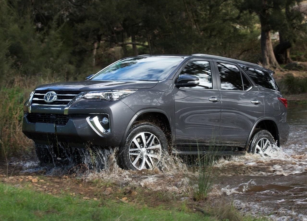 Kelebihan Kekurangan Toyota Fortuner 4X4 Review