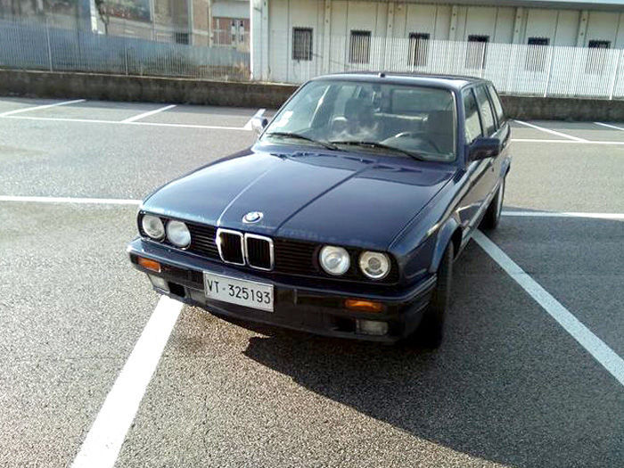 Auction Of BMW Car In Orvieto YallaMotorcom - Bmw 1990