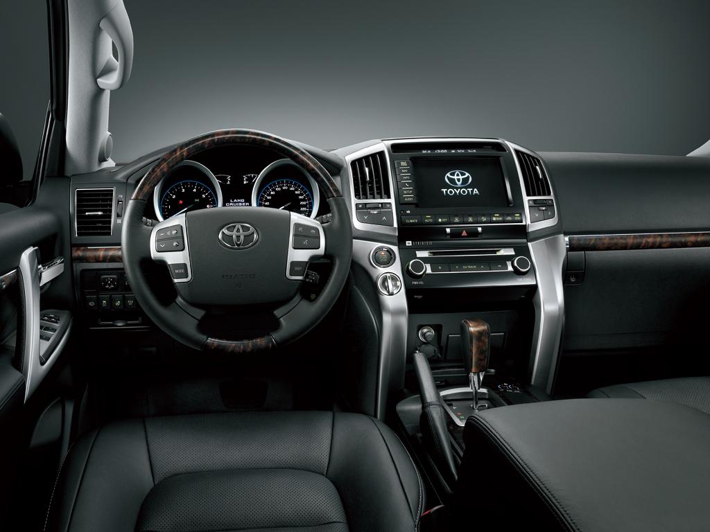 Toyota Land Cruiser 2014 57 Vxr In Uae New Car Prices Specs Bahrain