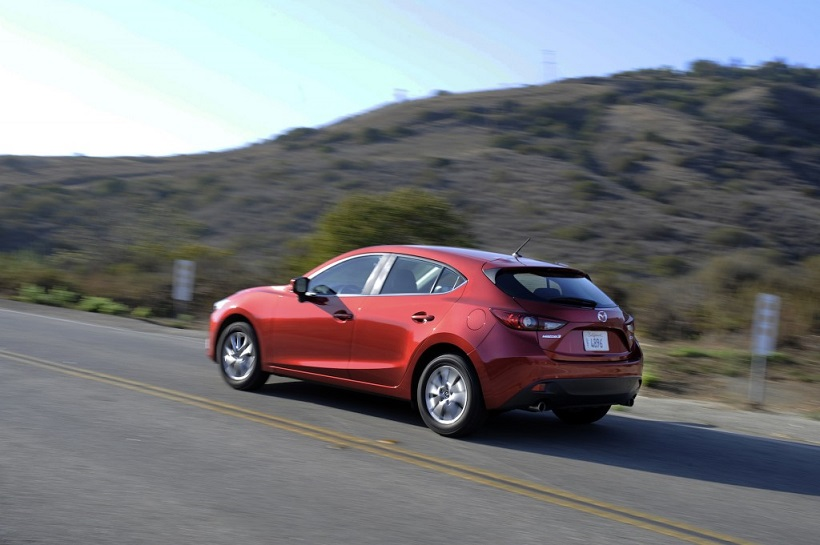 mazda 3 hatchback 2015 1 6 s in qatar new car prices specs reviews photos yallamotor. Black Bedroom Furniture Sets. Home Design Ideas