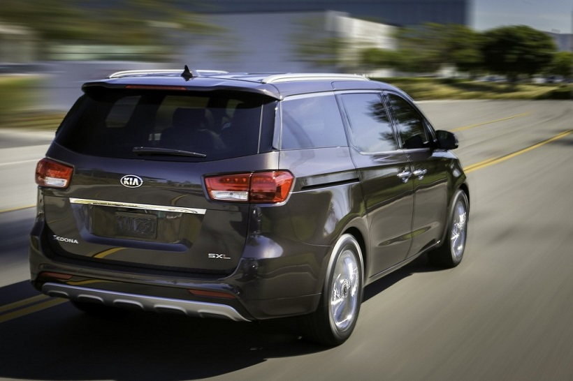 Kia Grand Carnival 2015 3.3L Base in Oman: New Car Prices ...