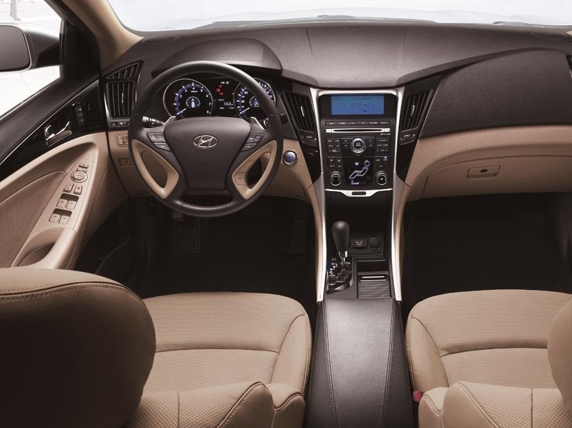 Hyundai Sonata 2012 2.4L, Oman