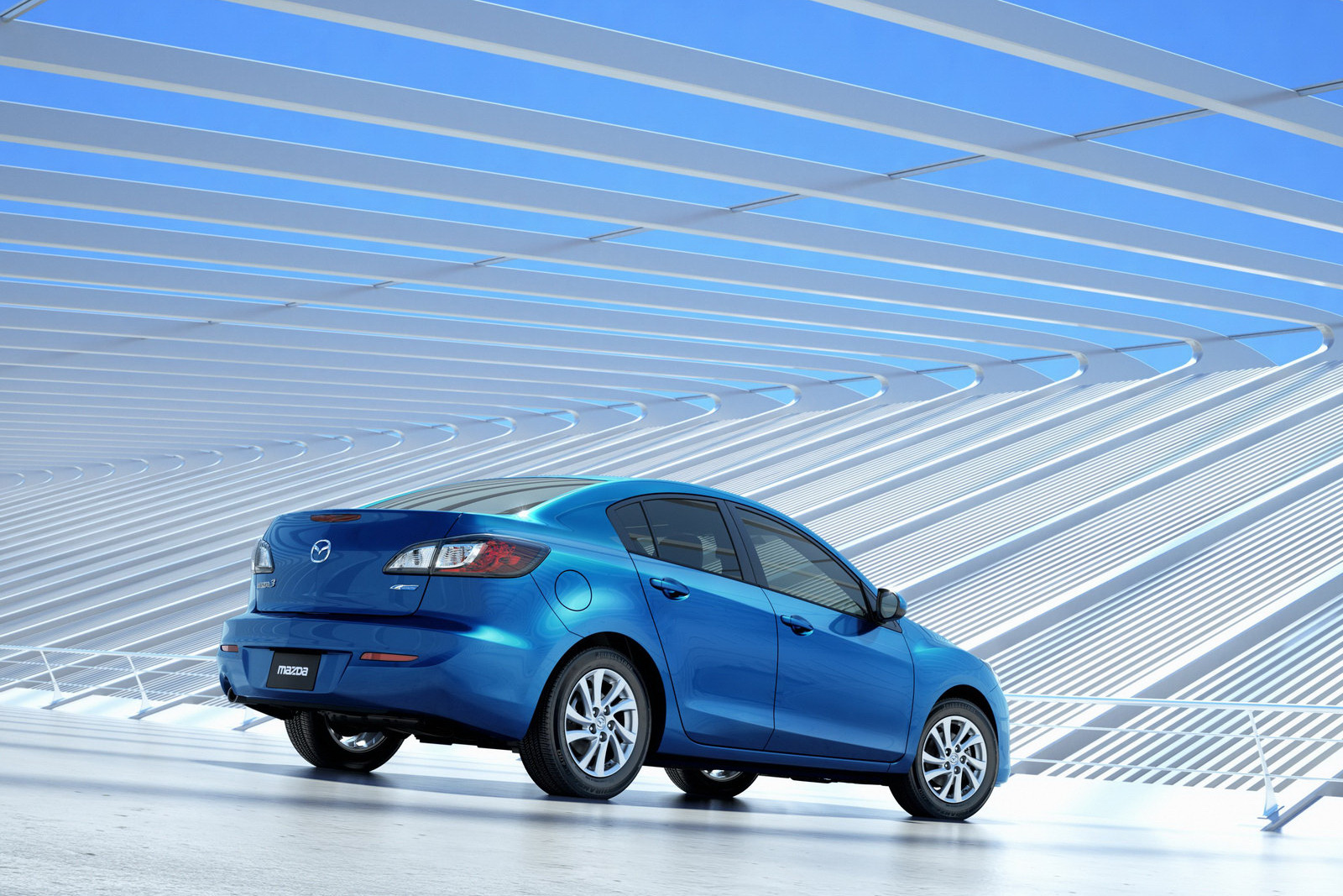 https://ymimg1.b8cdn.com/uploads/car_model/187/pictures/1179/Mazda-3-2012-Rear_View.jpg