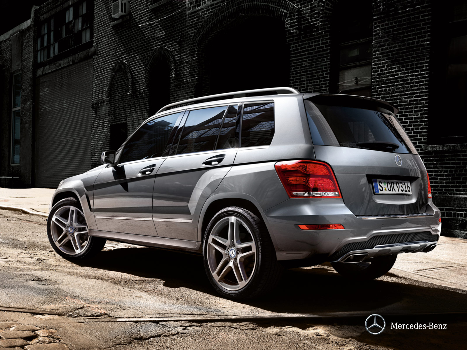 mercedes benz glk class 2012 glk 300 4matic in uae new