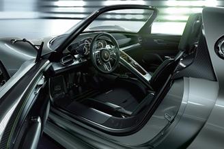 car features list for porsche 918 spyder 2016 base uae. Black Bedroom Furniture Sets. Home Design Ideas