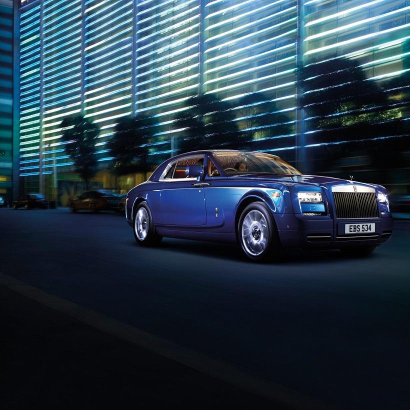 car features list for rolls royce phantom 2016 drophead coupe uae yallamotor. Black Bedroom Furniture Sets. Home Design Ideas