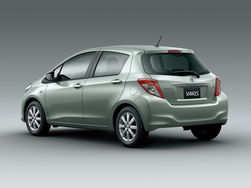 car pictures list for toyota yaris hatchback 2012 1 3l uae yallamotor. Black Bedroom Furniture Sets. Home Design Ideas
