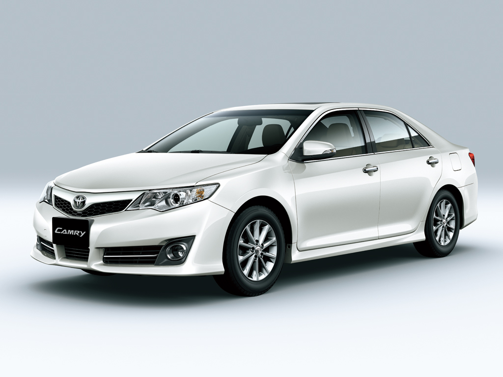 Car Pictures List For Toyota Camry 2012 4 Door 2 5l Qatar Yallamotor