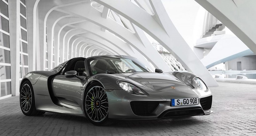 car pictures list for porsche 918 spyder 2017 base qatar. Black Bedroom Furniture Sets. Home Design Ideas