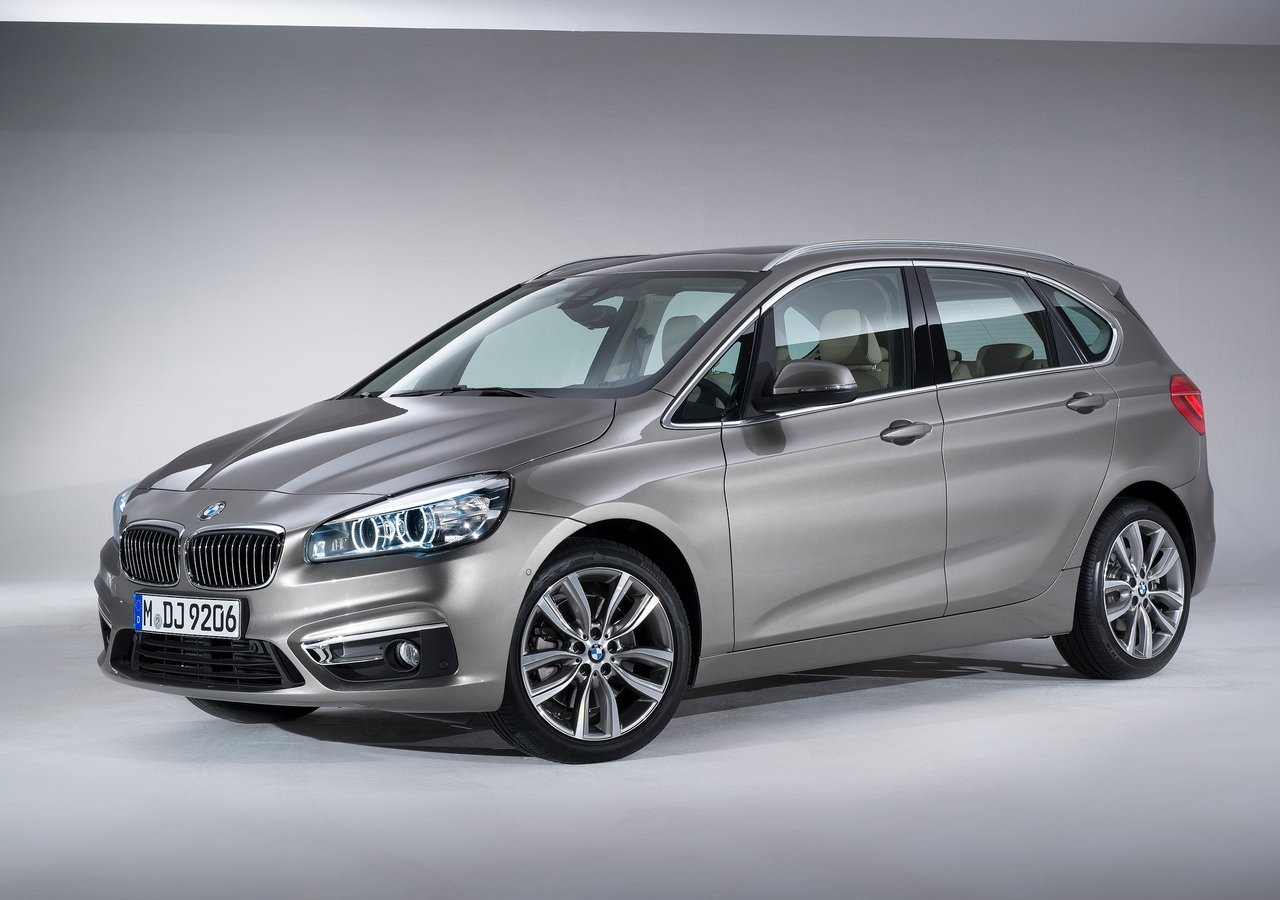 BMW Series Active Tourer I In UAE New Car Prices Specs - Bmw 225i