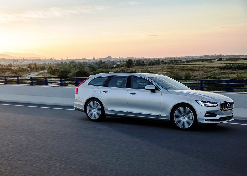 volvo v90 2017 t6 momentum highline in qatar new car prices specs reviews photos yallamotor. Black Bedroom Furniture Sets. Home Design Ideas