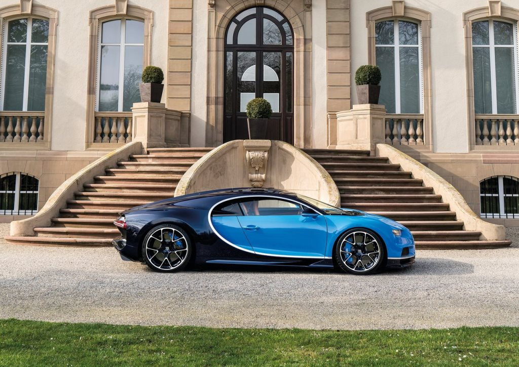 2017 bugatti chiron prices in uae gulf specs reviews for dubai abu dhabi and sharjah. Black Bedroom Furniture Sets. Home Design Ideas