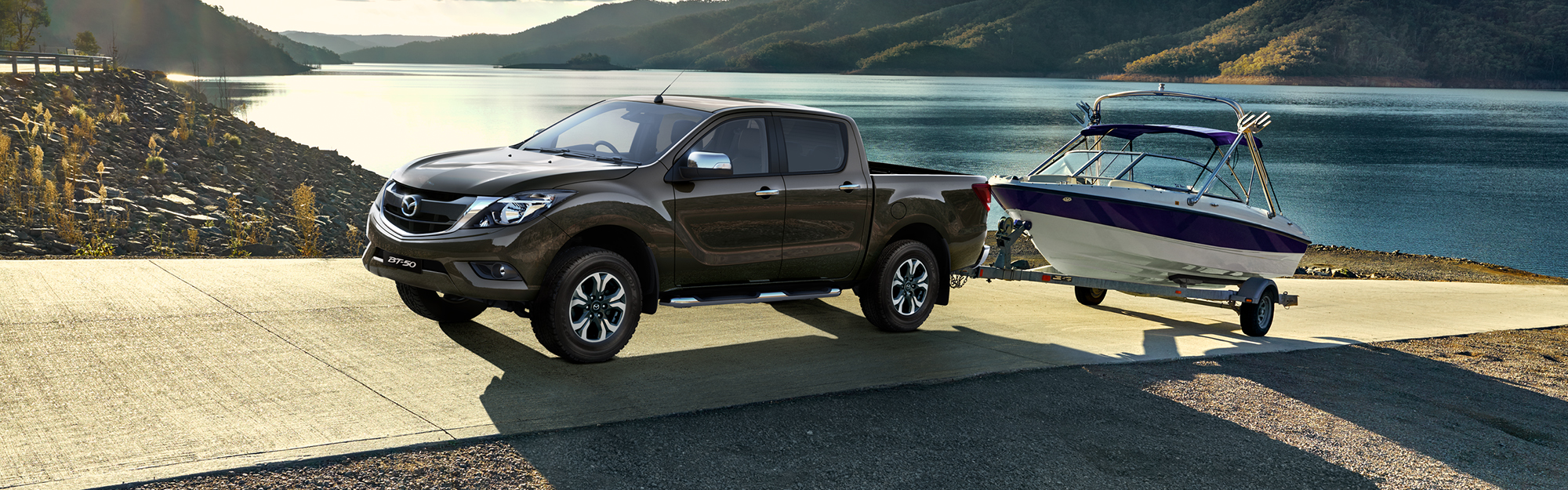 mazda bt 50 pickup 2017 2 5l double cab pro 4wd m t in oman new car prices specs reviews. Black Bedroom Furniture Sets. Home Design Ideas