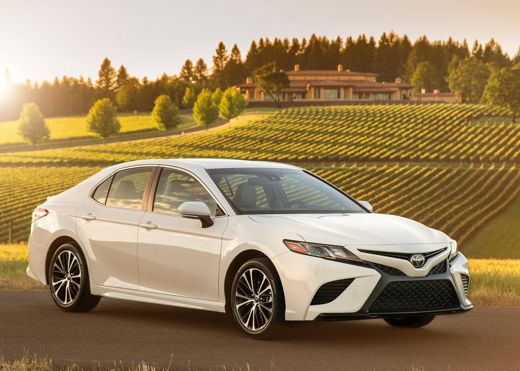 Toyota Camry 2018 2.5L S 178 HP In UAE: New Car Prices