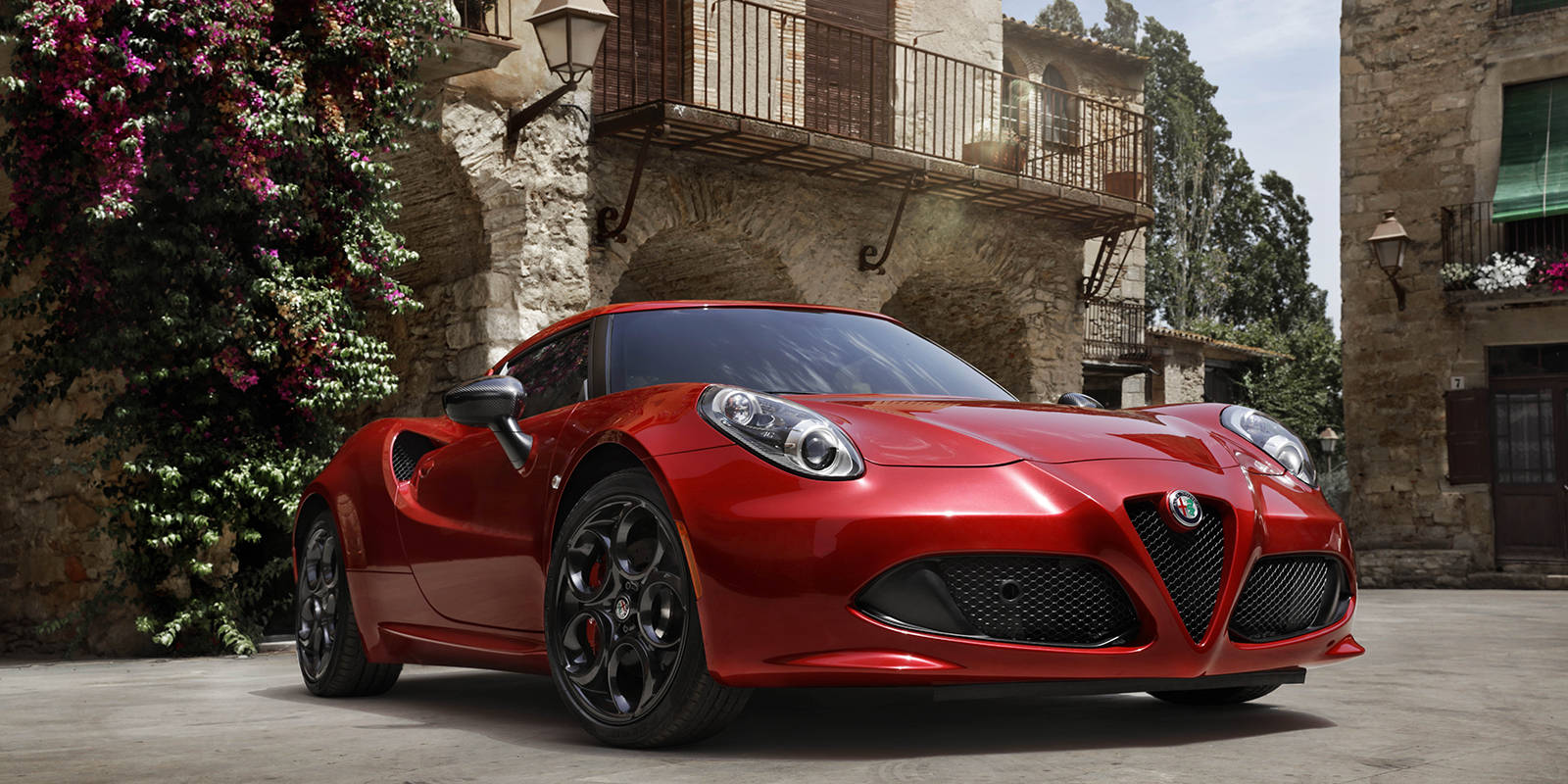2018 alfa romeo 4c prices in uae gulf specs reviews for dubai abu dhabi and sharjah yallamotor. Black Bedroom Furniture Sets. Home Design Ideas