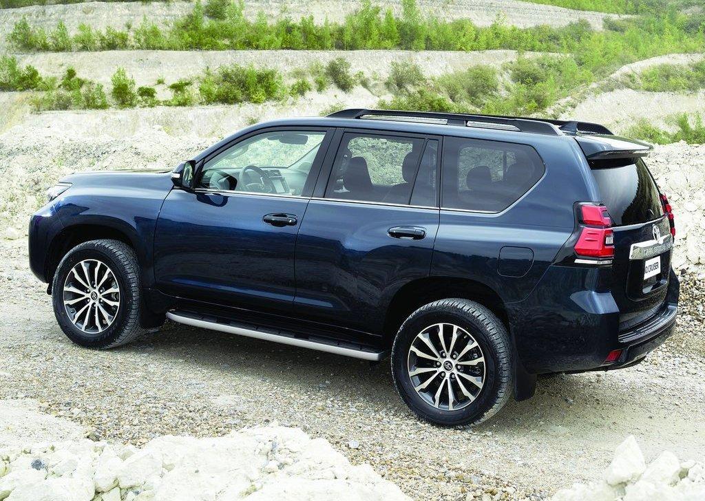 Toyota Land Cruiser Prado 2018 2 7l Gxr In Uae New Car Prices Specs Reviews Amp Photos Yallamotor